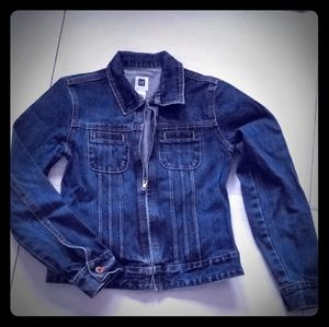 ⛄3/$45⛄zip up jean jacket from GAP